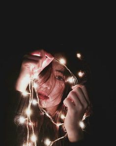 philinh #ulzzang Portrait Photography Poses, Photography Poses Women, Tumblr Photography, Creative Photography, Cute Girl Photo, Girl Photo Poses, Girl Photos, Fairy Light Photography, Ulzzang Korean Girl