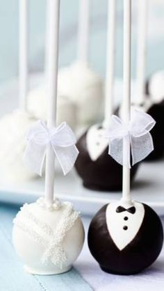 Eye Candy: 5 Fun Engagement Party Favors