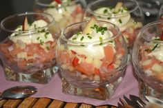 Dit hapje met perz… A deliciously refreshing aperitif with peach and tuna. Raw Food Recipes, Appetizer Recipes, Healthy Recipes, Beignets, Easy Japanese Recipes, Sandwiches, Party Finger Foods, Healthy Slow Cooker, Small Meals