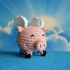"Flying Pig - Free Amigurumi  Pattern - PDF file click "" The PDF pattern can be downloaded here "" at the end of the post in blue letters here: http://www.popsdemilk.com/when-pigs-fly/"