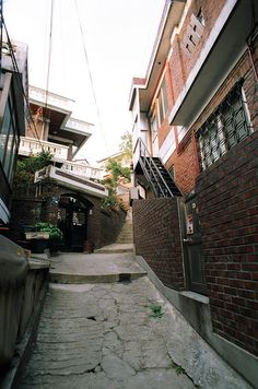Itaewon street <--I used to live near these streets <3 I lived on one like this, but not this, if you know what I mean.