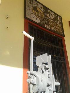"""Παραδοσιακό Καφέ - Μεζεδο - Παντοπωλείο """"Μεθοριακός Σταθμός"""""""