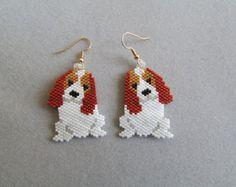 Boucles d'oreilles perles Corgi par DsBeadedCrochetedEtc sur Etsy