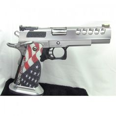 Nothin more American than the stars and stripes on a handgun