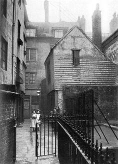 Alley near the Cloth Fair, Smithfield, London, c1905