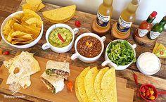 Noite Mexicana: cardápio, receitas e dicas de como montar tacos e burritos – Matraqueando Tacos, Burritos, Hummus, Cooking Recipes, Ethnic Recipes, Food, Night, Mexican Night, Creative Food
