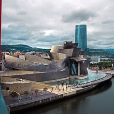 I never tire of going past the Guggenheim Places To Travel, Places To See, Spanish Architecture, Voyage Europe, Basque Country, Expo, Road Trip, Best Cities, Spain Travel
