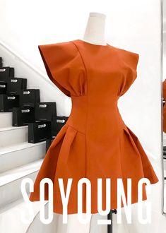 Simple Dresses, Cute Dresses, Casual Dresses, Short Dresses, Latest African Fashion Dresses, African Print Fashion, Chic Outfits, Dress Outfits, Fashion Outfits
