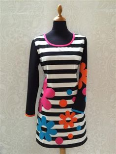 T-shirt kjole, basis Sewing Clothes Women, Clothes For Women, Syg, King Louie, Designer Dresses, Dress Skirt, Enamel, Arts And Crafts, Design Inspiration