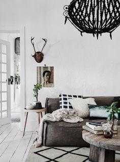 mit skandinavisk hjem: En smuk lejlighed i en art deco build 1920s Art Deco, Decorating Small Spaces, Scandinavian Interior, Living Room Inspiration, Beautiful Interiors, Room Interior, Living Spaces, House Design, House Styles