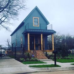 """When visiting Waco  had to drive by this cute tiny house from """"Fixer Upper."""" I just want to pick it up and set it on my farm !  #fixerupper #tinyhouse by roamtexas"""