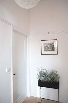 Door Design, House Design, Lever Door Handles, House Doors, Minimalist Decor, Windows And Doors, Sweet Home, Living Room, Interior Design