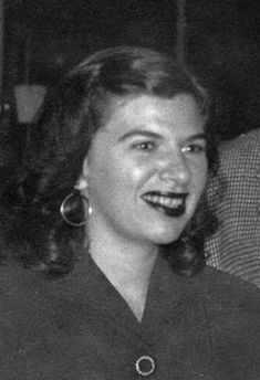 Iris Apfel (born Aug