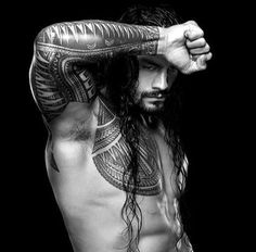 Check out detailed photos of the coolest tattoos in WWE, featuring the ink of WWE World Heavyweight Champion and United States Champion Seth Rollins, Big Show and Kofi Kingston. Wwe Roman Reigns, Wwe Superstar Roman Reigns, Roman Reigns Workout, Roman Reigns Tattoo, Seth Rollins, Roman Regins, Black Dagger Brotherhood, Wwe World, Le Male