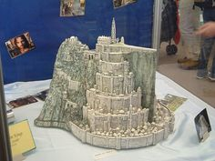 Lord of the Rings Cake. Freakin minas tirith. Awesome