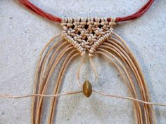 I separate this owl macrame necklace pattern with 2 parts, owl part and necklace part Before working this project you must practice. ]Source by anjakr Macrame Colar, Macrame Owl, Macrame Necklace, Macrame Knots, Macrame Jewelry, Macrame Bracelets, Feather Necklaces, Handmade Wire Jewelry, Diy Jewelry