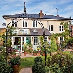 Exterior | Take a tour around a bright and colourful period home in Hertfordshire | housetohome.co.uk