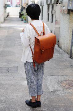 Main cousu de sac à dos en cuir Extra Large