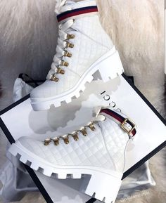 Dr Shoes, Swag Shoes, Hype Shoes, Me Too Shoes, Black Shoes Sneakers, White Nike Shoes, Sneakers Nike, Gucci Sneakers, High Top Sneakers