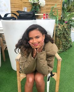 Beautiful Long Hair, Beautiful Black Women, Black Girl Aesthetic, Instagram Influencer, Pretty People, Straight Hairstyles, Afro, Curly Hair Styles, Photoshoot