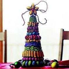 Decorazioni di Natale con la pasta, l'albero colorato