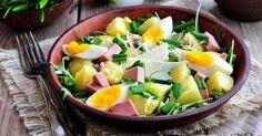 Recette de Salade de pommes de terre au jambon, oeuf dur et comté pour dîner léger en famille. Facile et rapide à réaliser, goûteuse…