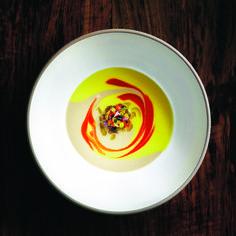 Sopa de pisto condimentado frio | CUATRO Revista