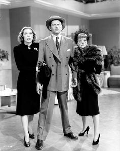 Still of Eleanor Powell and John Carroll in Lady Be Good (1941) http://www.movpins.com/dHQwMDMzODAz/lady-be-good-(1941)/still-274837504