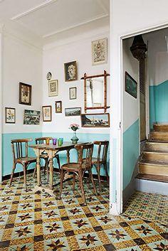 half-painted walls for my room, wonderful color Half Painted Walls, Home Interior, Interior Design, Deco Restaurant, Flur Design, Sweet Home, Decor Scandinavian, Boho Home, Home And Deco