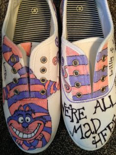 Cute Alice in Wonderland DIY canvas shoe design