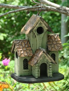 The Bird House Vintage Cottage is one of the best bird houses available for both… Bird House Feeder, Bird Feeders, Diy Vintage, Vintage Green, Wood Bird, Bird Boxes, Fairy Houses, Yard Art, Beautiful Birds