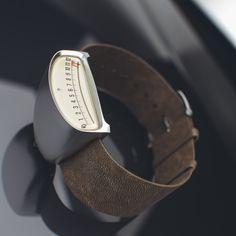 DRIVE la montre pour pilote par Gus Petrikas
