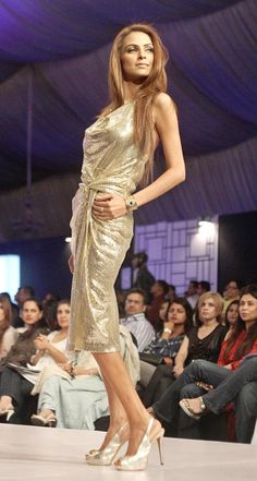 KARACHI: A model presents a creation of designer during Fashion Pakistan Week (FPW) 3 at local hotel.