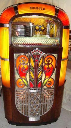 Original (not a reproduction) 1947 Rockola Jukebox (model 1426), plays 78 rpm vinyl records.