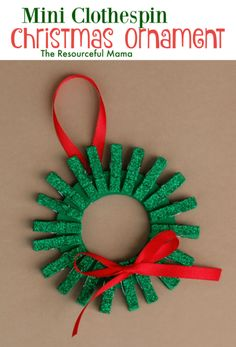 Find Easy Christmas Crafts for kids that are easy to do. They will love these Christmas crafts for kids. 20 Christmas craft ideas for kids that are frugal. Homemade Christmas Wreaths, Kids Christmas Ornaments, Christmas Crafts For Kids To Make, Preschool Christmas, Christmas Activities, Simple Christmas, Holiday Crafts, Christmas Decorations, Christmas Tree