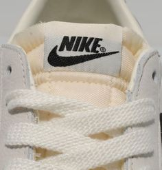 nike blazer low white