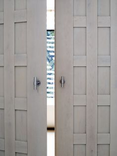 :: Havens South Designs :: loves the design of these entry doors.