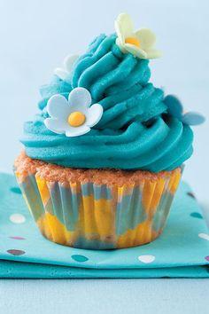 Maak 12 kolwyntjies of 1 groot sponskoek 465 ml k + 2 e + 1 t) basiese bruismeel 225 ml (¾ k + 3 e) sagte botter 250 ml k) strooisuiker 6 eiers, liggies geklop Versiersuiker 125 ml … Gluten Free Cupcakes, 12 Cupcakes, Healthy Recipes For Diabetics, Diabetic Recipes, English Food, Sponge Cake, Icing, Kos, Desserts