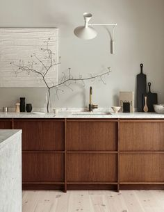 Modern Kitchen Interior Remodeling Idea to Steal: Understated Terrazzo Apartment Kitchen, Home Decor Kitchen, Rustic Kitchen, Interior Design Kitchen, Kitchen Ideas, Timber Kitchen, Modern Interior, Kitchen Lamps, Kitchen Industrial