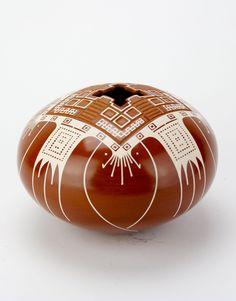 Modern Mata Ortiz pottery