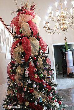 Note Songs: Oh, Christmas Tree! Christmas Tree Mesh Ribbon, Christmas Tress, Merry Little Christmas, All Things Christmas, Christmas Holidays, Silver Christmas, Holiday Fun, Christmas Present Hunt, Traditional Christmas Tree