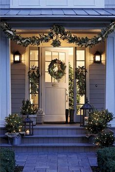 32 Amazing Christmas Porch Decorating Ideas to Make Your Outdoor More Beautiful - If you really want to bring people into the Christmas spirit when they come to your home during the holidays, here are several Christmas door decorati. Front Door Christmas Decorations, Christmas Front Doors, Front Door Decor, Christmas Wreaths, Christmas Porch Ideas, Home For Christmas, Exterior Christmas Lights, Front Door Planters, Christmas Entryway
