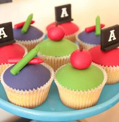 Back to School Cake and Cupcake Ideas. School Cupcakes, School Cake, Fun Cupcakes, Cupcake Cakes, Cupcakes Design, Cup Cakes, Alphabet Birthday Parties, Alphabet Party, Back To School Party