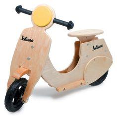 bicicleta de madera si pedales vespa en El País de los Juguetes
