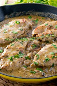 Easy Creamy Chicken Marsala recipe - chicken is cooked in a delicious creamy mushroom sauce. Made entirely in one skillet and it takes only about 30 minutes to make. Marsala Recipe, Cooking Recipes, Healthy Recipes, Delicious Recipes, Healthy Eats, Yummy Food, Creamy Chicken, Chicken Marsala Creamy, Healthy Chicken