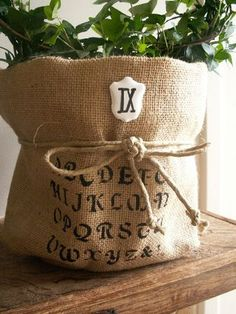 PICT2832 Diy Sac, Burlap Sacks, Fairytale Cottage, Pots, Burlap Crafts, Country Crafts, Linens And Lace, French Country Style, Farmhouse Chic