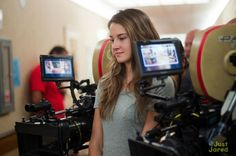 Picture: Shailene Woodley on the set of 'The Descendants.' Pic is in a photo gallery for 'The Descendants' featuring 28 pictures. Scene Photo, Movie Photo, The Descendants Movie, 2011 Movies, Decendants, Just Jared, Shailene Woodley, George Clooney, Music Film