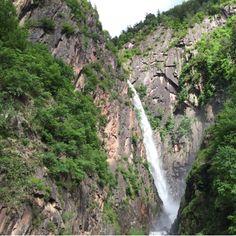 15 Minuten von Meran nach Labers und nochmals 15 Minuten Zum Wasserfall #Suedtirol #Wasserfall #Meran