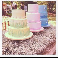 Love these cakes......I know someone who can make these too!  GINA