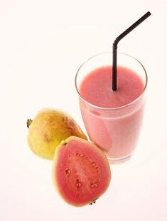 20 cele mai bogate alimente in vitamina C - AtoZ Home Remedies For Hemorrhoids, Acne Treatment, Jugo Natural, Natural Vitamin C, Guava Fruit, Guava Juice, Rheumatoid Arthritis Cure, Knee Arthritis, Gastronomia